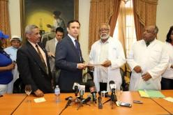 Viceministro recibio gremios medicos; Gobierno dice esta abierto al dialogo