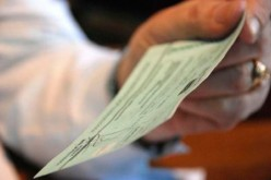 Denuncia indignado lo que considera «robo» por parte de un banco
