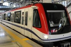 Danilo «contratado» como «chofer» del primer viaje con pasajeros en II Linea del Metro del DN a Los Minas