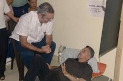 Luis Abinader visita a Manuel Jiménez y otros candidatos en huelga de hambre en SDE