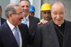 Presidente Medina felicita al Cardenal López Rodríguez por sus 25 años con tal autoridad en la Iglesia