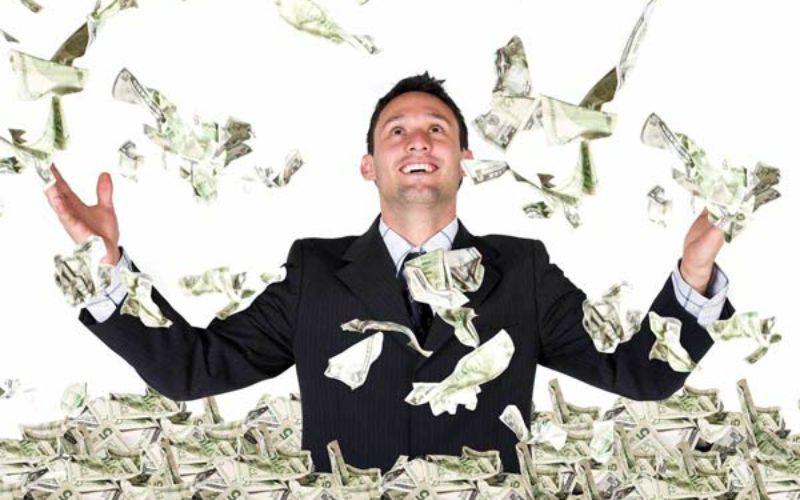 Un multimillonario en Latinoamerica gana mil 154 veces lo que una persona pobre