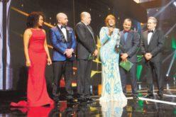 Fefita La Grande hizo un alto en Nueva York solo para venir al premio Soberano… ¡Y se llevó el grande…!