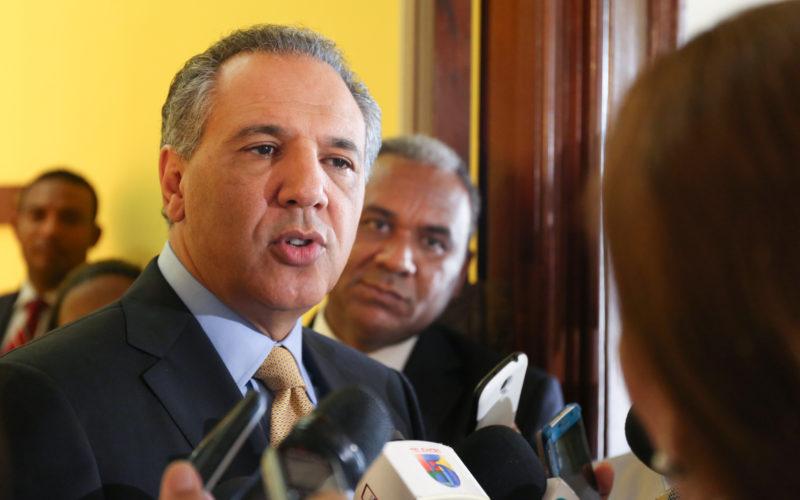JR Peralta dice el presidente Medina y su gobierno trabajan en reformas que reclaman empresarios