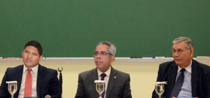 Proponen creacion Escuela del Estado para formacion de funcionarios de la administracion publica