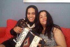 Raquel Arias, entregada a Dios; tiene una muy buena relacion con su colega María Díaz