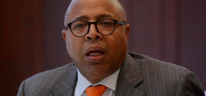 Alfredo Pacheco desmiente senadores y diputados se hayan aumentado sueldos; lamenta medios «difamen»