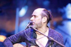 Lenny Abreu celebrando su 20 aniversario como cantautor vuelve a Casa de Teatro