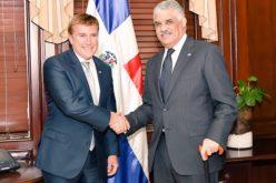 Embajador de Estados Unidos visita al canciller Vargas Maldonado