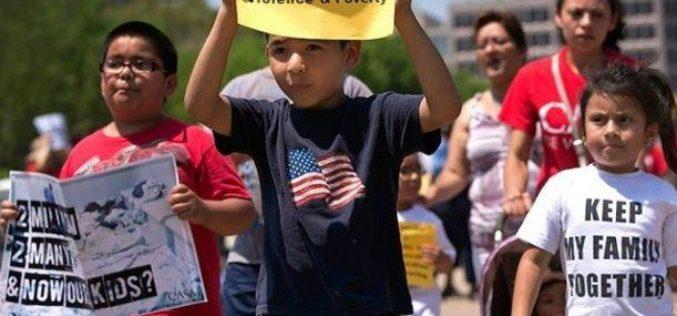 Hay mejores perspectivas para niños latinos en EEUU, pero siguen desigualdades, establece un inofrme