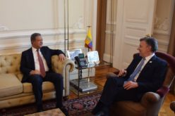 Leonel Fernandez felicita al presidente colombiano Juan Manuel Santos por el Premio Nobel de la Paz