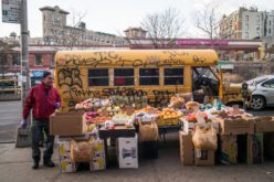 Bodegueros de Nueva York no quieren vendedores ambulantes