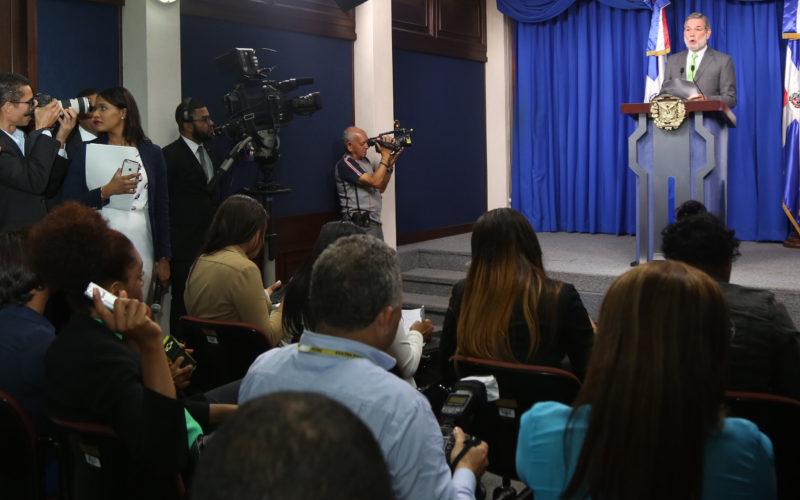 (Video) Presidente Medina suspende la venta del barrio