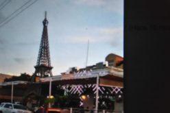 En el ensanche Ozama de Santo Domingo Este también hay una torre Eiffel