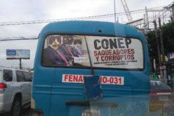 Presentan empresarios con «caras de gatos» y los acusan de corruptos; la del Conep y los transportistas es una guerra a muerte