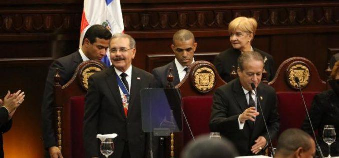 Danilo explica en discurso aumento sueldo a policías: un raso pasará de $7 mil a ganar $16,150; y un capitán de $17,500 a $36,000