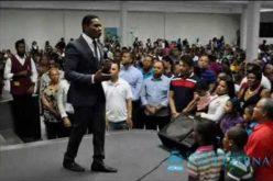 (Video) Raymond Pozo predicando la palabra del Señor: «Si Jesucristo está con nosotros, nada nos faltará»