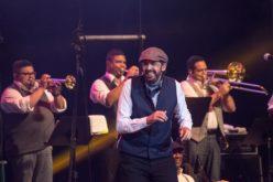 Juan Luis Guerra seduce a Buenos Aires con el encanto de su musica