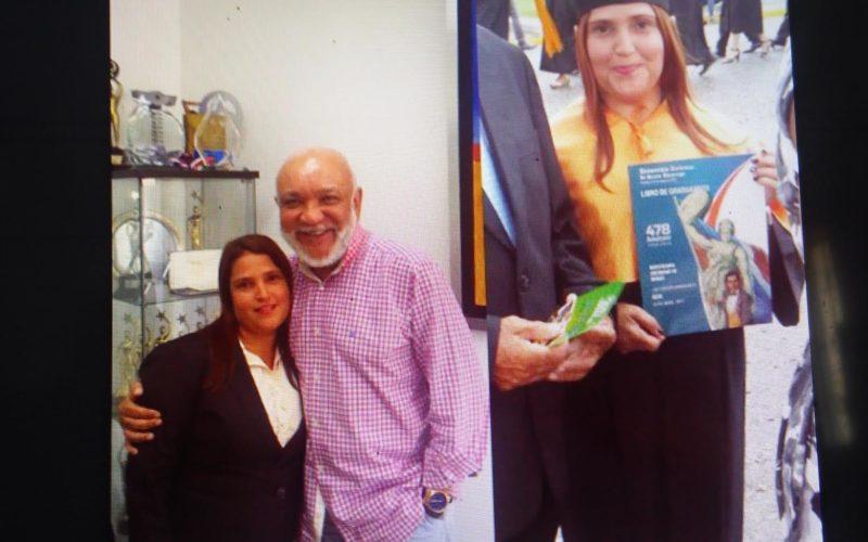 Jochy Santos, patrón noble y solidario… La conserje llegó hace 18 años, se graduó de contable y labora como tal en la empresa