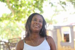 (Video) Cuentan que por allá, por Sabana de la Mar, hasta ellas (las mujeres) pescan…