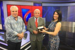 Alcalde de Miami entrega la llave de la ciudad a Alicia Ortega y Fernando Hasbún, del Grupo SIN
