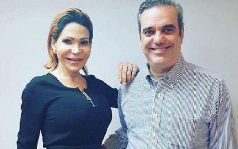 Sacerdote cuestiona que Luis Abinader aparezca en foto con Mía Cepeda y califica la imagen de «mojiganga»