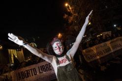 En Chile, una marcha por el derecho al aborto en cualquier caso que la mujer decida…