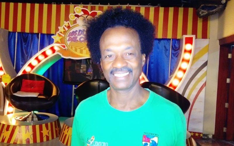 A Lorenzo, coordinador de programas de Telemicro, lo confundieron con haitiano y lo subieron a «la camiona»