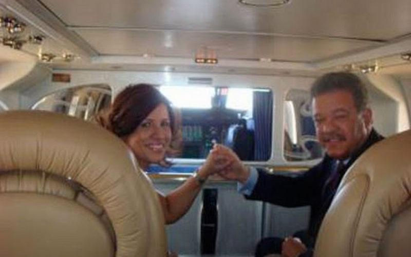 (Video) Vianelo buscando entre zafacones con «su canto» de Leonel y Margarita