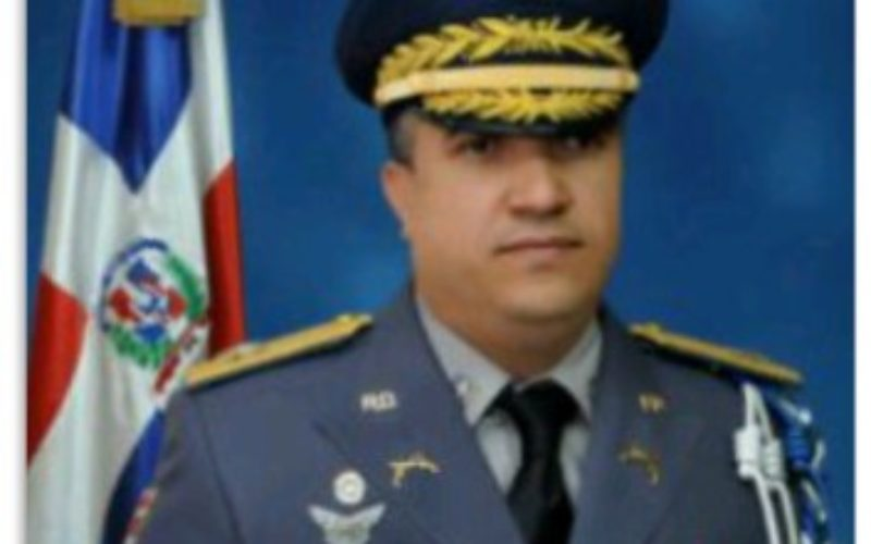 Danilo designa al general Ney Aldrin de Jesús Bautista nuevo director PN en sustitución de Peguero Paredes, a quien puso en retiro