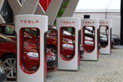 La realidad de los autos eléctricos en Europa; cada vez se instalan más estaciones de recarga de energía