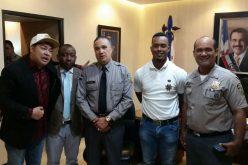 El Pachá  acompañóa Jean Segura en su visita al director de la PN, mayor general Ney Aldrín Bautista