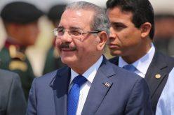 Presidente Medina parte la tarde de este domingo a Suiza para participar en Foro EconEconómico Mundial de Davos