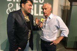 El Pachá en sus aguas con Jorge Ramos, de Univisión