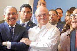 Hipólito y Danilo riendo, felices, gozosos, como si hubieran triunfado… ¡Cuidado con las primarias abiertas…!