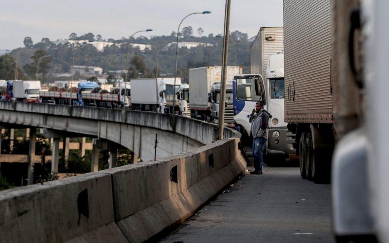 En Brasil, declaran a Sao Paulo en estado de emergencia por paro de camioneros