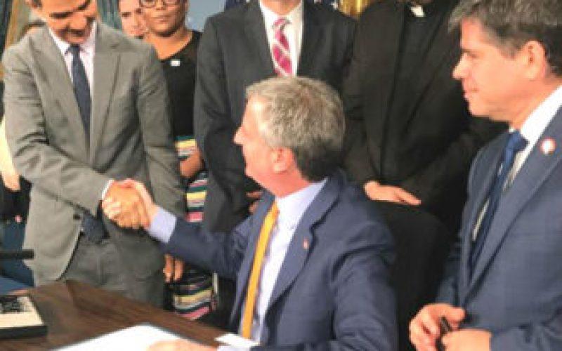 El alcalde Bill De Blasio y el Concejal Ydanis Rodriguez Anuncian un Programa de Tecnologia para  Alto Manhattan