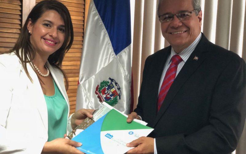 Resumen de Salud de RD presenta publicaciones en Costa Rica