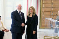 Pedro Vergés presenta credenciales como embajador de RD en Canadá