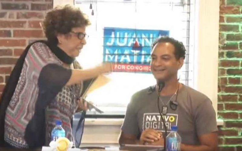 (Video) Consuelo Despradel y José Laluz «tirándose las cajas y los cajones»