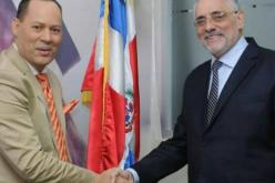Franklin Mirabal con el presidente de Lidom, Vitelio Mejía, y su comunicado a propósito de su eventual suspensión como narrador del Licey