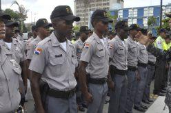 ¿Cómo se sentirán los rasos y cabos de la Policía cuando oyen al aspirante presidencial Luis Abinader diciendo que les pondrá sueldo mínimo de 500 dólares?