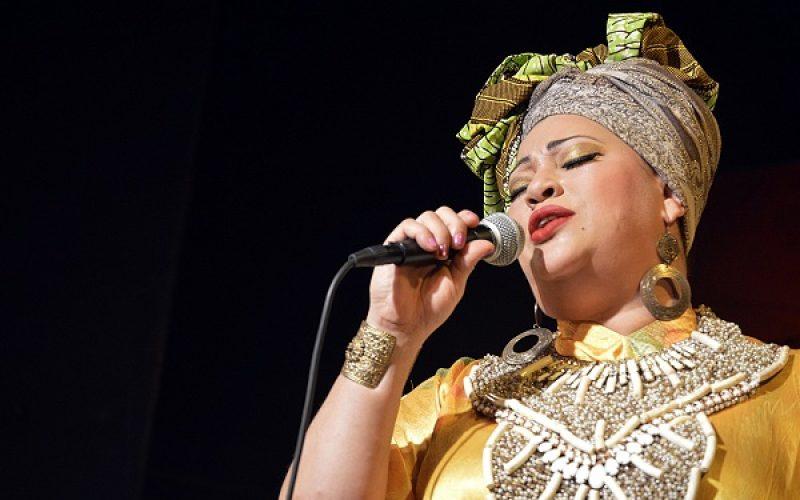 En su concierto en el bar Lucía 203, el cantautor Ernesto Pineda tendrá una invitada de honor muy especial: La Mala, Diomary