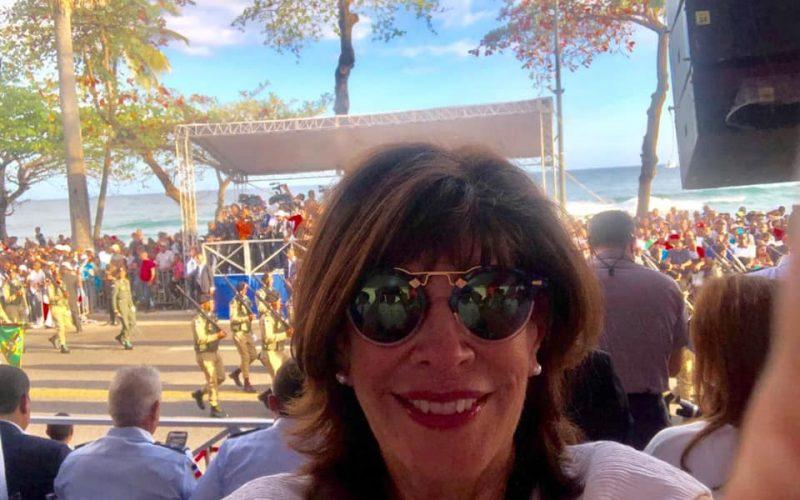 La embajadora EEUU participa en el Desfile del 27 de Febrero en el Malecón a propósito del Día de la Independencia RD