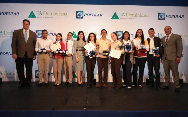 Centros educativos de la Capital y Mao ganan el Banquero Joven Popular