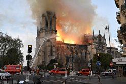 Ministro de Cultura de República Dominicana considera incendio en catedral de Notre Dame en París es tragedia histórica y cultural