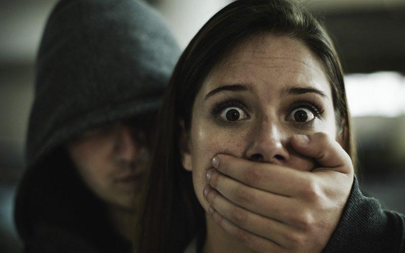 Adolescente toma de rehenes a 4 mujeres y trasmite secuestro por Facebook; fue arrestado por las autoridades