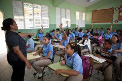 Le han arrebatado la autoridad al maestro; el estudiante es el protagonista