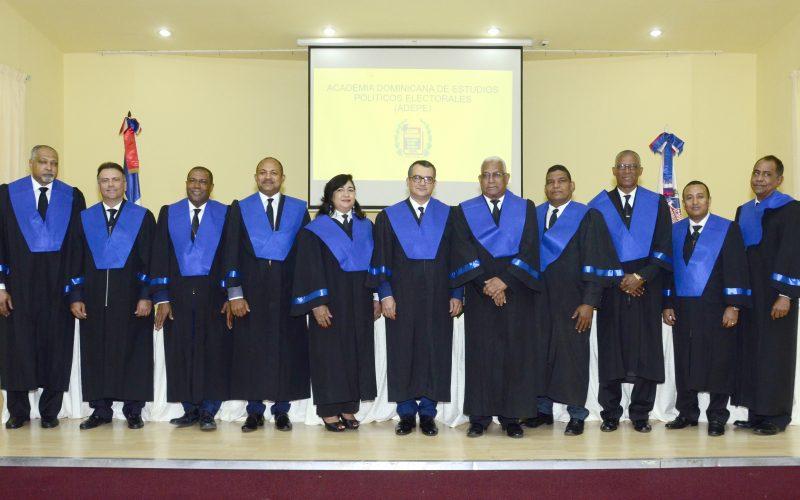 ADEPE hace su presentación formal; procura fortalecer el sistema democrático de RD