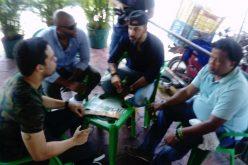 Aquiles Correa, Albert Mena, Jhoel López y Enrique Quailey en «juntadera» de colmado